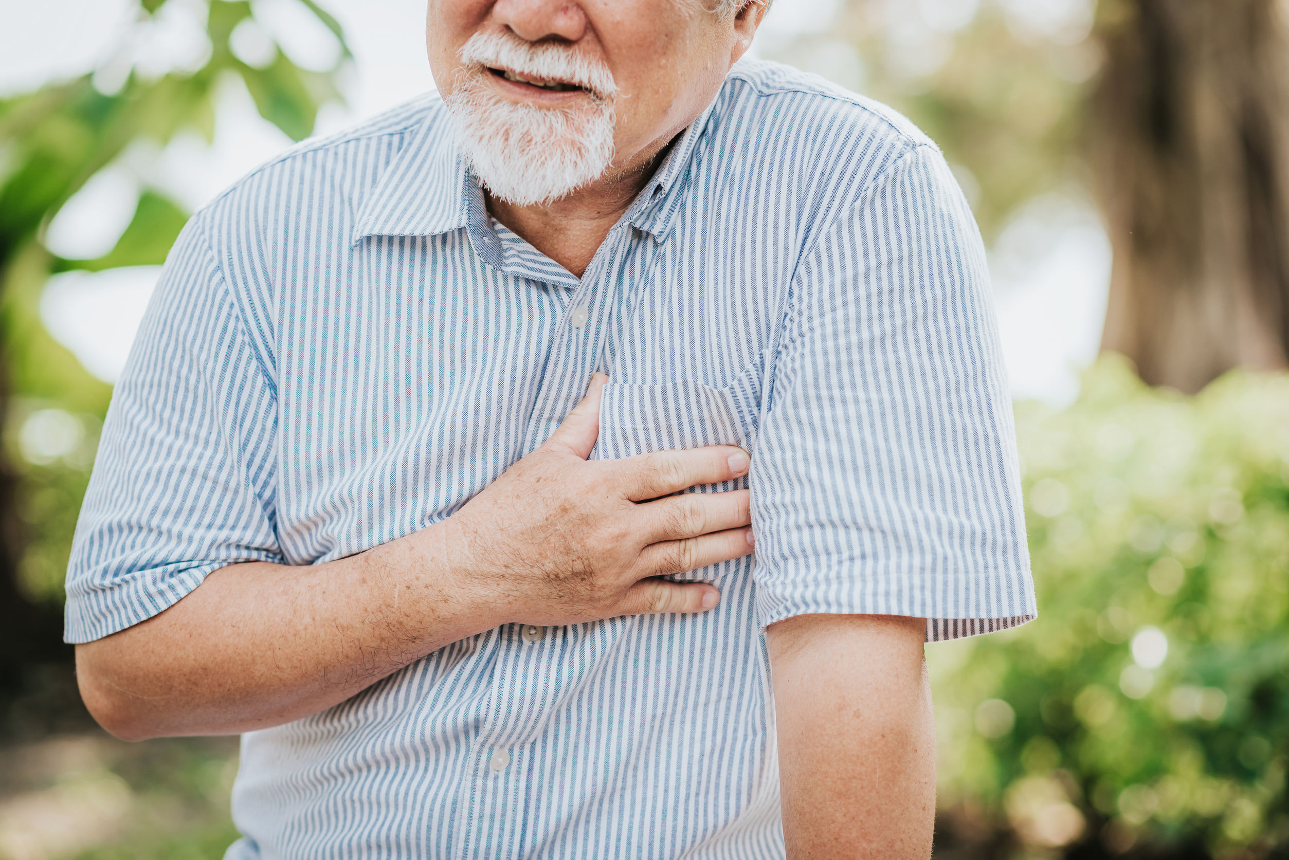 Elder patient is having a sign of getting a heart attack