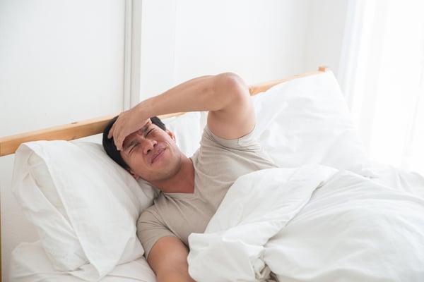 severe headache stroke symptom