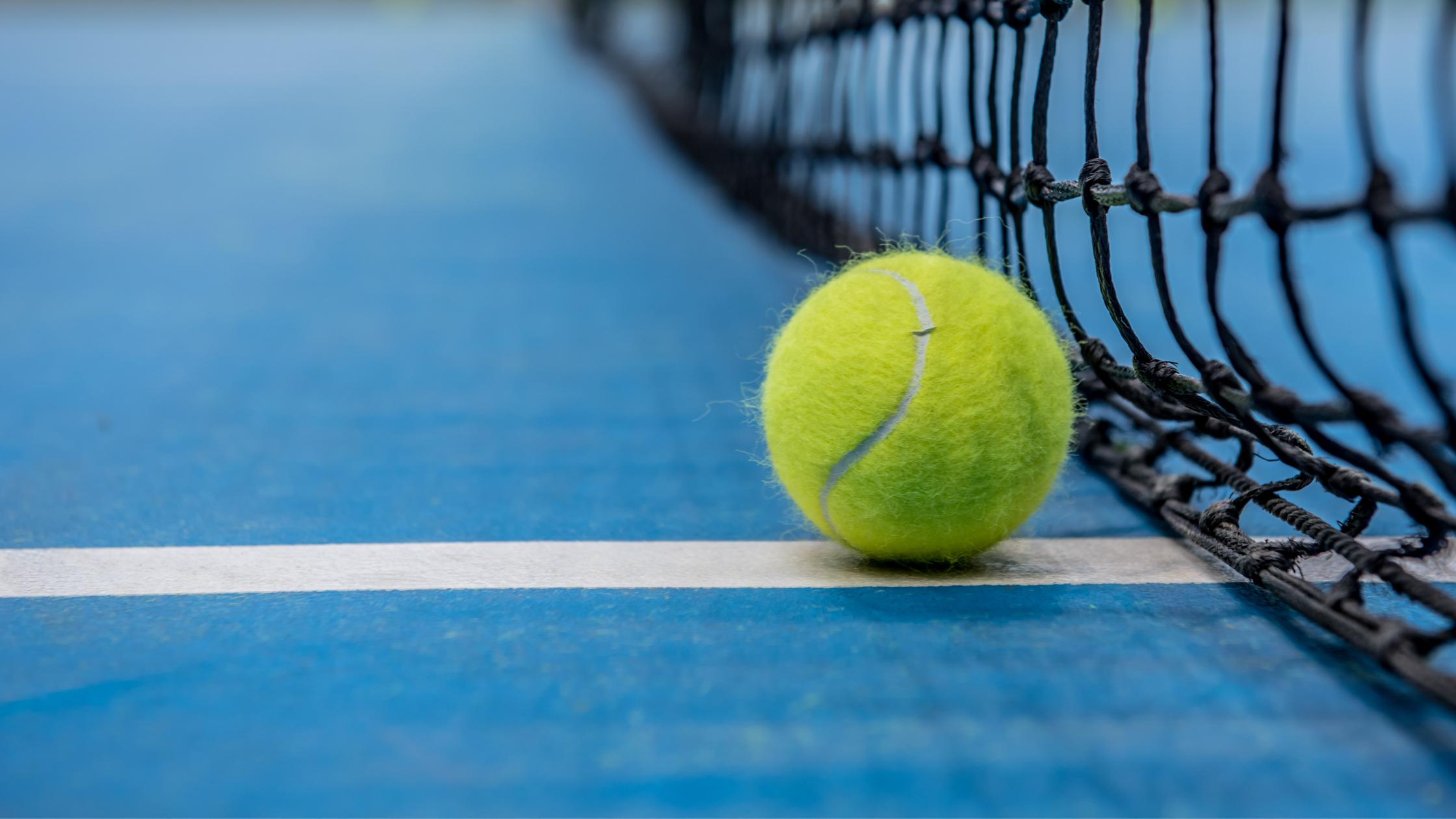 Play tennis in Bangkok